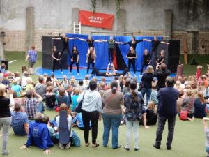 Theater und Zirkus verbunden in der Viktoriaschule Aachen
