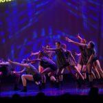 Jugendensemble Con Brio stellt tänzerisch das Thema social distancing dar